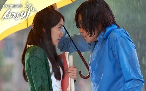 ラブレイン雨に濡れる二人